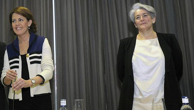 Lourdes Goicoechea (d), acompañada por Yolanda Barcina, Alberto Catalán (i) y Óscar Arizcuren, en el acto de UPN del pasado sábado.