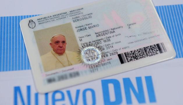 El nuevo DNI del Papa Francisco