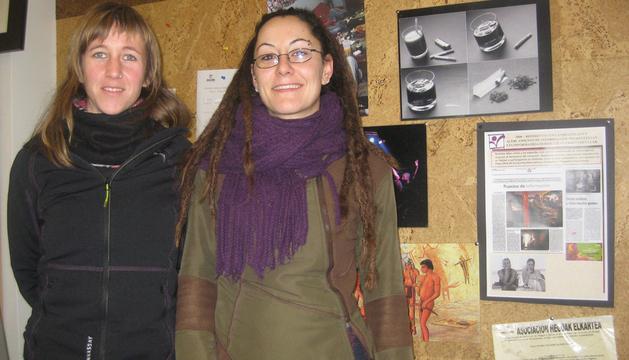 Eva Rosino e Itziar Martínez, trabajadoras de Hegoak