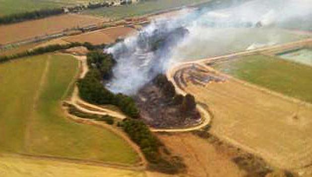 Vista aérea de la zona afectada por las llamas