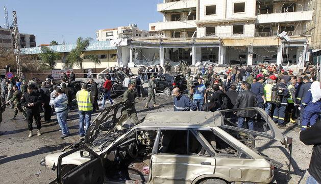 Cinco muertos y ochenta heridos en una doble explosión en Beirut
