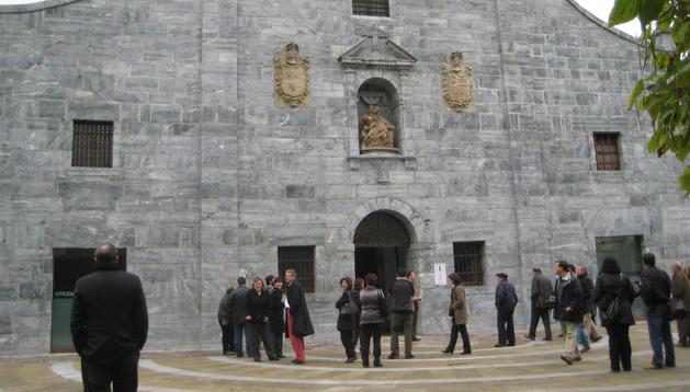 Fachada del Centro Cultural de Lesaka