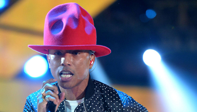 Pharrell Williams durante un concierto