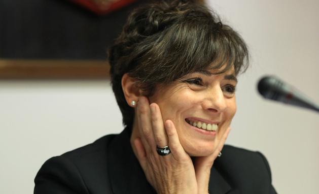 La exdirectora de la Hacienda Foral Idoia Nieves, durante su pasada comparecencia en el Parlamento.