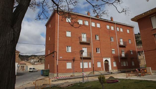 Una imagen del edificio conocido como 'casas de los maestros' de Valtierra
