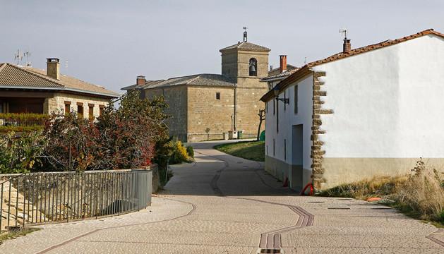 La entrada de Murugarren con el pavimento de una de las obras cuestionadas