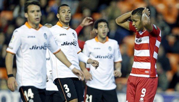 El-Arabi se lamenta tras una ocasión fallida con el Granada