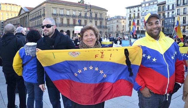 Los venezolanos en Pamplona se solidarizan por su país