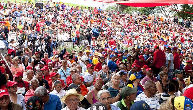 Ancianos se manifiestan en Caracas en favor de Maduro
