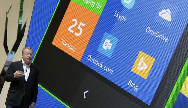 El CEO de Nokia, Stephen Elop, presenta la nueva familia de móviles