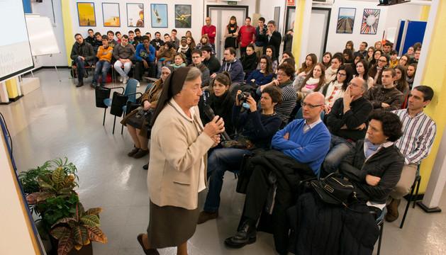 Martha Pelloni conversa con los alumnos del Instituto Cuatrovientos de Pamplona