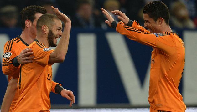 Bale, Benzema y Cristiano celebran un gol del galés