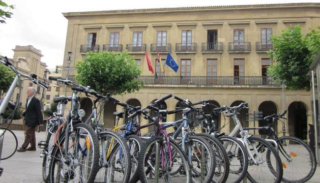 Los ciclistas demandan aparcamientos seguros ante el aumento de robos