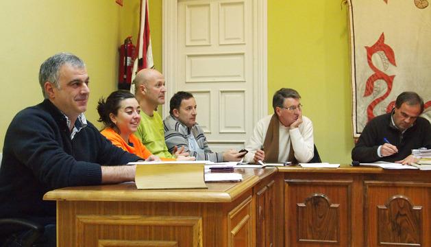 Alfredo del Castillo, nuevo concejal de la AISS, tomó posesión en el pleno