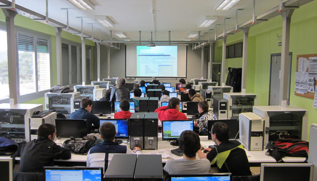 Un aula de informática de CFGM de Sistemas Microinformáticos y Redes del Politécnico