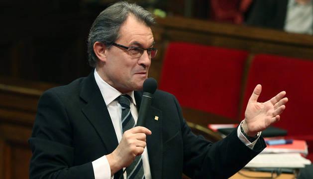 El presidente de la Generalitat Artur Mas, durante su intervención en la sesión de control a su Gobierno este miércoles en el Parlament de Cataluña.