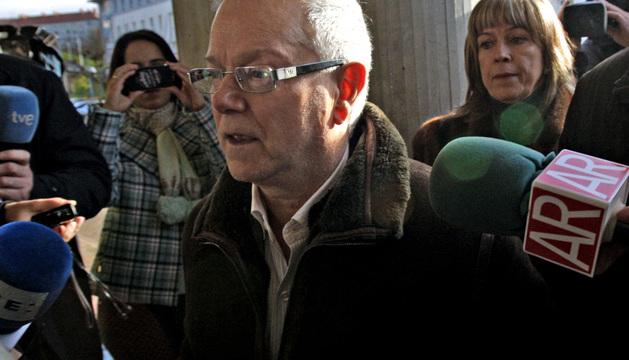 El psiquiatra Narciso Carrero, a su llegada este miércoles para declarar como imputado por un presunto delito de vulneración del secreto profesional.