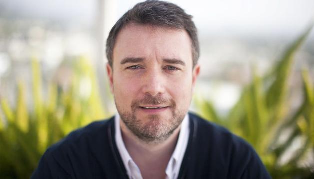 El director Esteban Crespo posa durante una entrevista reciente en West Hollywood, California