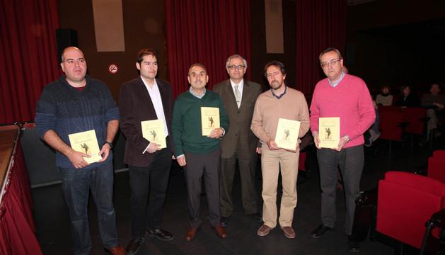 Los autores de los trabajos que se publican en la revista