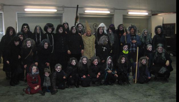 'Las Brujas de Zugarramurdi' participaron en el escaparate rodante de Santesteban