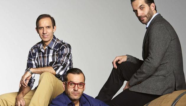 Los hermanos Sandoval: el sumiller Rafael, el jefe de sala Juan Diego y el cocinero Mario (i-d)