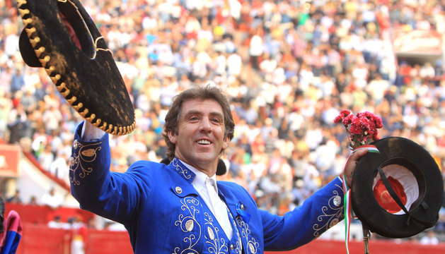 Hermoso de Mendoza, en un festejo de su temporada mexicana en 2014