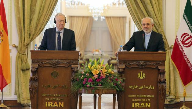 El ministro español de Asuntos Exteriores, José Manuel García-Margallo, este domingo junto al ministro de Exteriores iraní, Mohammad Javad Zarif.