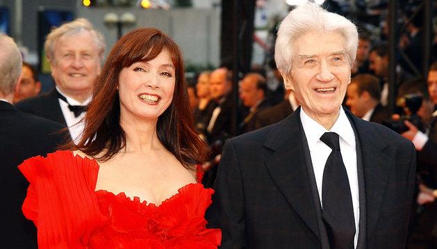 Alain Resnais con su esposa, Sabine Azema, en 2002