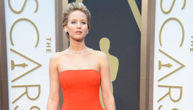 La actriz Jennifer Lawrence, a su llegada a la alfombra roja.