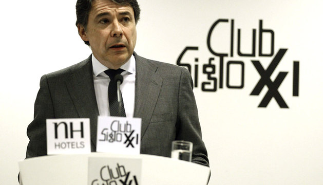 El presidente de la Comunidad de Madrid, Ignacio González, pronuncia una conferencia en el Club Siglo XXI