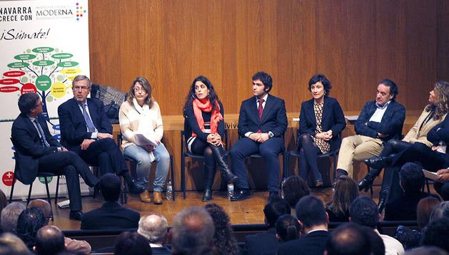 De izquierda a derecha, Francisco Fernández, José María Roig, Sonía García, Onintza Sayar, Víctor García, Susana Ochoa, Tomás Rodríguez, Eva Vivar, José Ignacio Calleja y Francisco Sagardoyi