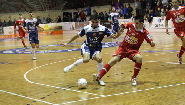 Partido anterior entre el Ríos y ElPozo. Ambos equipos se enfrentarán en tres ocasiones en un mes