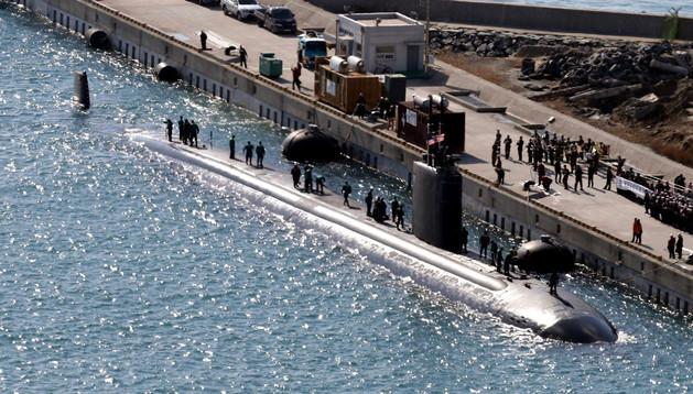 El submarino USS Columbus en un puerto surcoreano