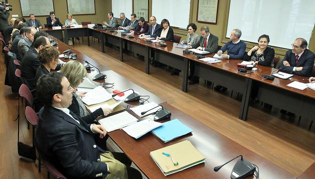 Los consejeros y técnicos de educación de Navarra, Aragón, Cantabria, Castilla León y La Rioja, en la reunión