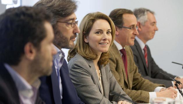 La presidenta del PP vasco, Arantza Quiroga, junto a Iñaki Oyarzábal, Alfonso Alonso,  Borja Sémper y Antón Damborenea