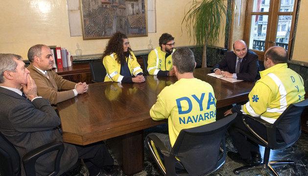 Reunión del consejero Morrás con los voluntarios de la DYA