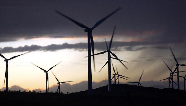 Imagen de un parque eólico en la localidad de Funes.