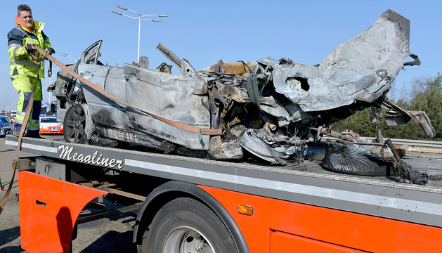 Estado en el que ha quedado el coche tras el accidente.