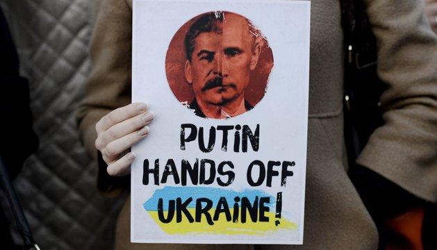Manifestación en Kiev en contra de Rusia