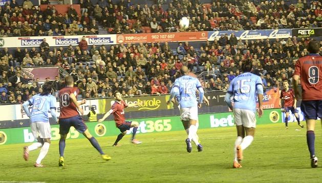 Imágenes del partido disputado este lunes en El Sadar