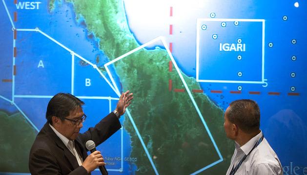 Las autoridades ofrecen una rueda de prensa sobre el paradero del vuelo MH370 de Malaysia Airlines