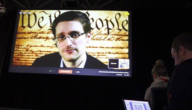 Edward Snowden, vía teleconferencia desde Moscú