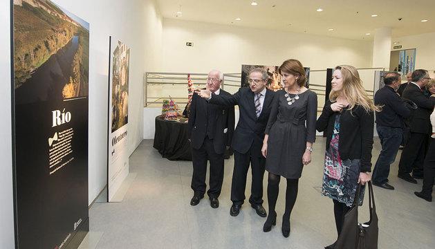 Amador Cerezo, Félix Carmona, la Presidenta Barcina y Carmen Caro.