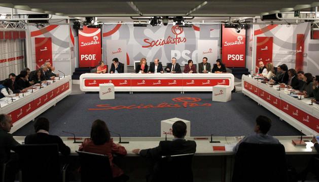Reunión de la Ejecutiva Federal del PSOE bajo la presidencia de su secretario general, Alfredo Pérez Rubalcaba