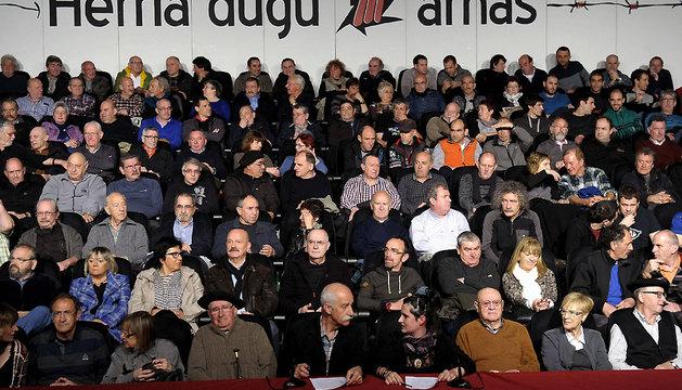 Un centenar de personas, algunos de ellos huidos de ETA cuyas causas judiciales ya han prescrito, durante el acto que ha tenido lugar este sábado en Alsasua