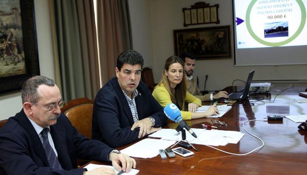 De izda. a dcha., Enrique Martín, Luis Casado, Irene Royo y Joaquim Torrents, en la presentación
