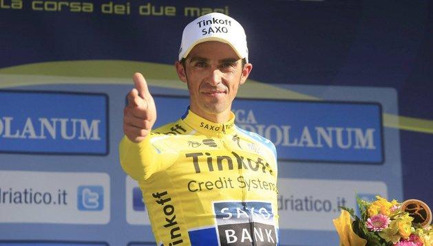 Contador, con el maillot de líder de la Tirreno-Adriático