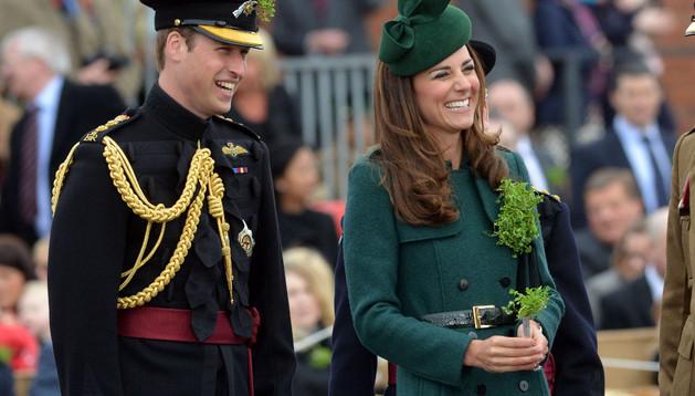 Catalina y Guillermo, duques de Cambridge, este lunes durante la celebración del Día de San Patricio