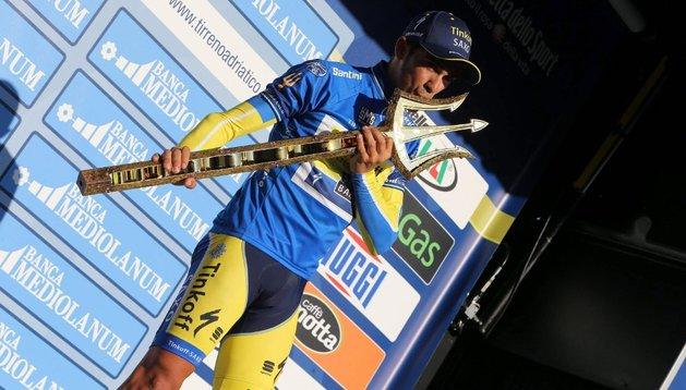 El español, Alberto Contador, ganador de la Tirreno-Adriático