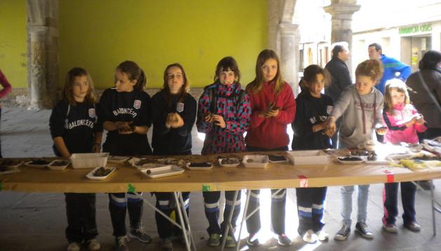 Un grupo de niñas, en el taller que se desarrolló el sábado en las Arcadas de Sangüesa